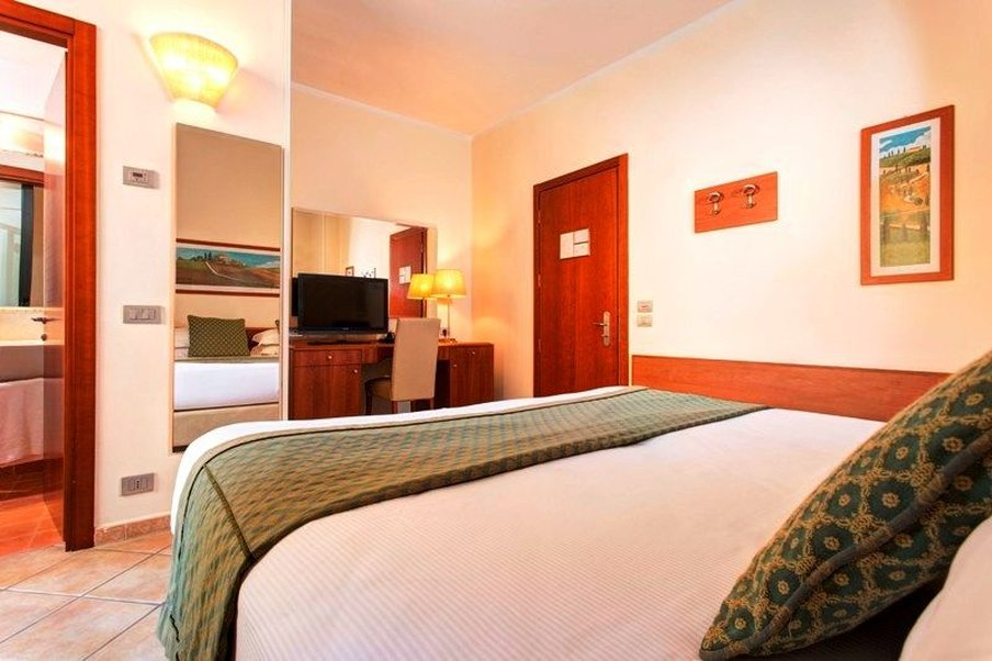 Athena Hotel-Economy double or twin room<br/>Image from Leonardo