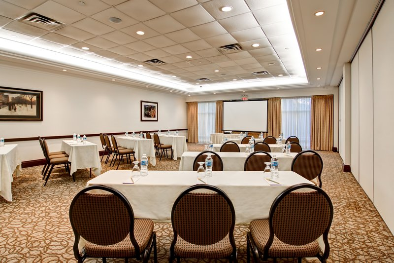 Hilton Garden Inn Toronto/Burlington, Ontario-Meeting Room<br/>Image from Leonardo
