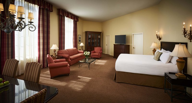 Deerhurst Resort-Pavilion Junior Suite<br/>Image from Leonardo