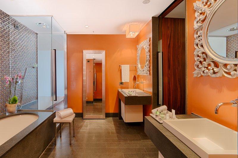 NH Collection Taormina-Bathroom<br/>Image from Leonardo
