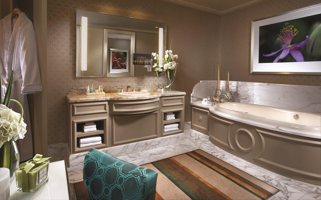 Bellagio - Penthouse Bathroom <br/>Image from Leonardo