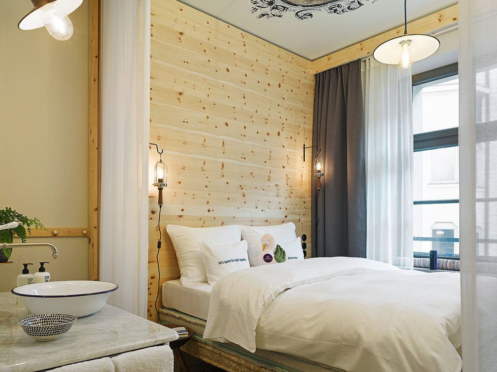 25hours Hotel The Royal Bavarian Hotel-Box Room<br/>Image from Leonardo