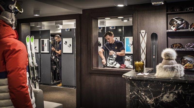 Mercure Courchevel Hotel-APGSki Room JMS<br/>Image from Leonardo