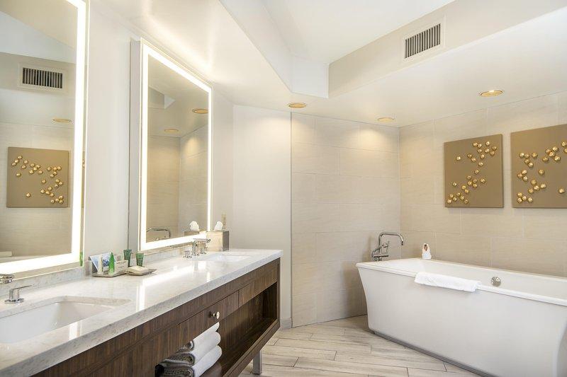 Pointe Hilton Squaw Peak Resort - Presidential Suite Bathroom <br/>Image from Leonardo