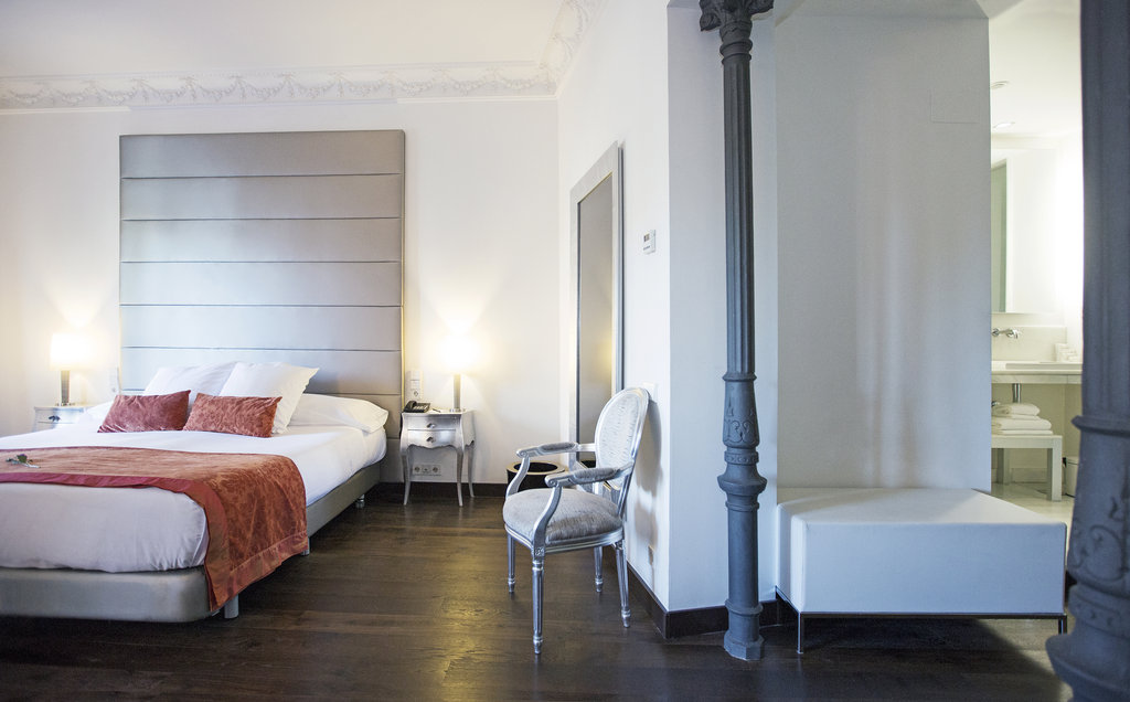 Hotel Hospes Puerta De Alcala-Suite<br/>Image from Leonardo
