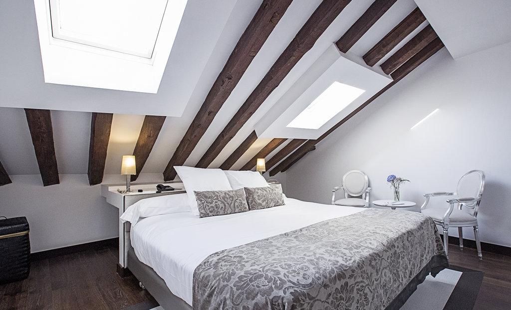 Hotel Hospes Puerta De Alcala-Duplex Suite<br/>Image from Leonardo