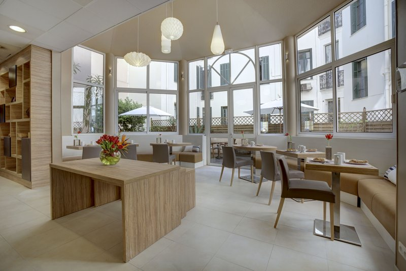 Citadines Croisette-Breakfast Lounge<br/>Image from Leonardo