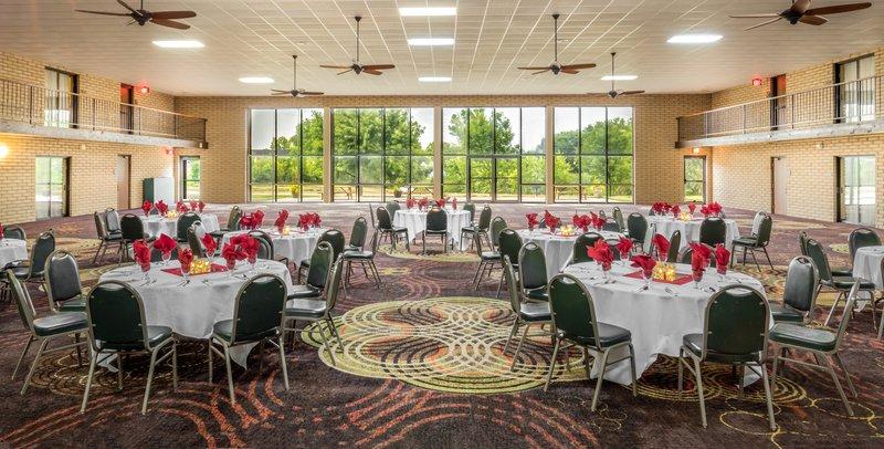 Best Western Wichita North-South Atrium<br/>Image from Leonardo