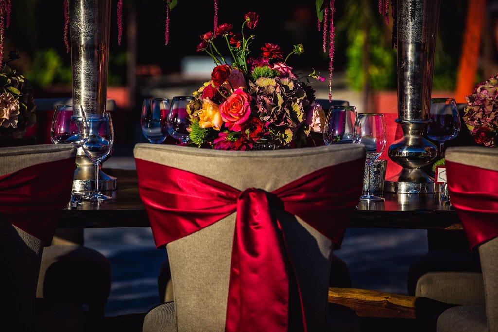 Pointe Hilton Tapatio Cliffs - Wedding Table <br/>Image from Leonardo