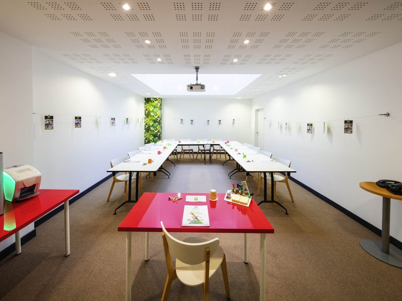 Ibis Styles Calais Centre-Meeting Room<br/>Image from Leonardo