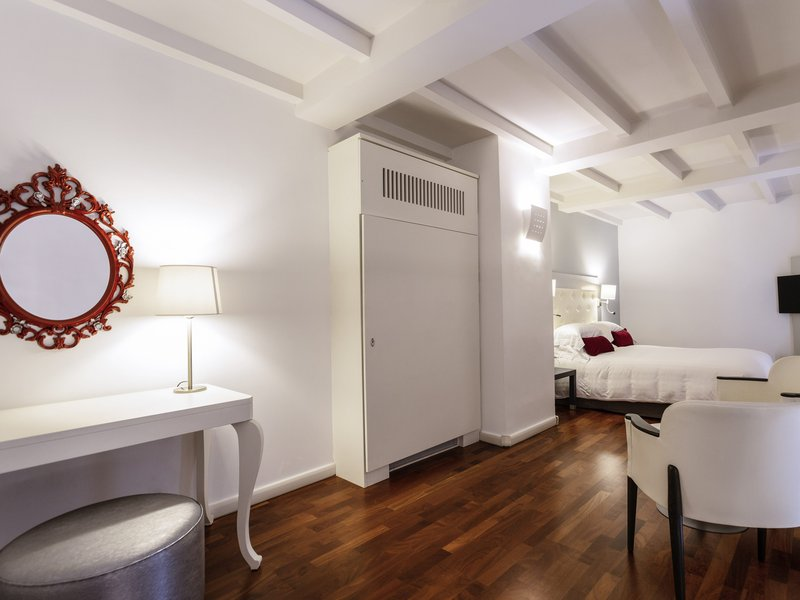 Palazzo Caracciolo MGallery-Guest Room<br/>Image from Leonardo