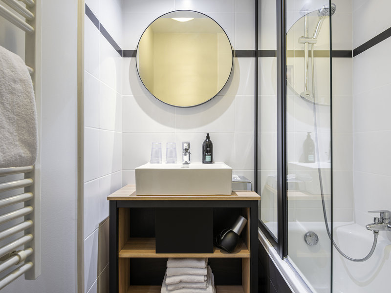 Adagio La Defense Kleber-Guest Room<br/>Image from Leonardo