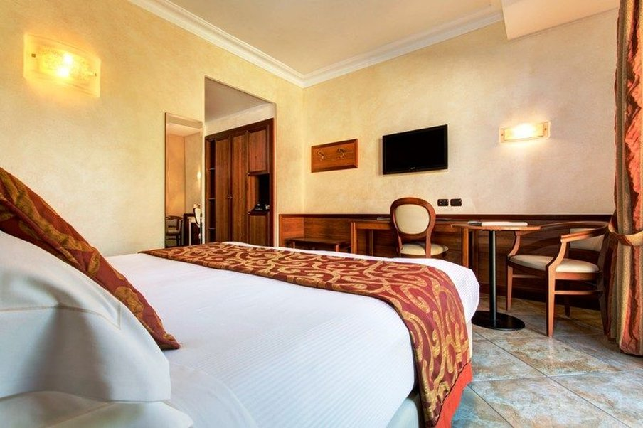 Athena Hotel-Superior room double/twin bed<br/>Image from Leonardo