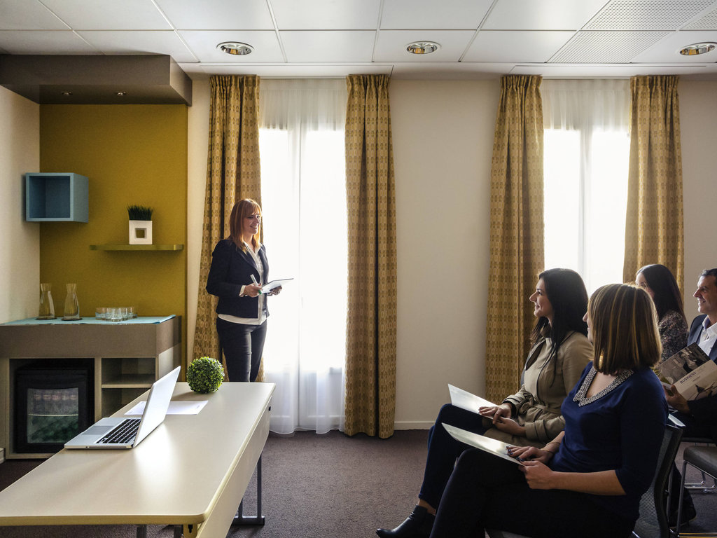 Mercure Pont D'Avignon-Meeting Room<br/>Image from Leonardo