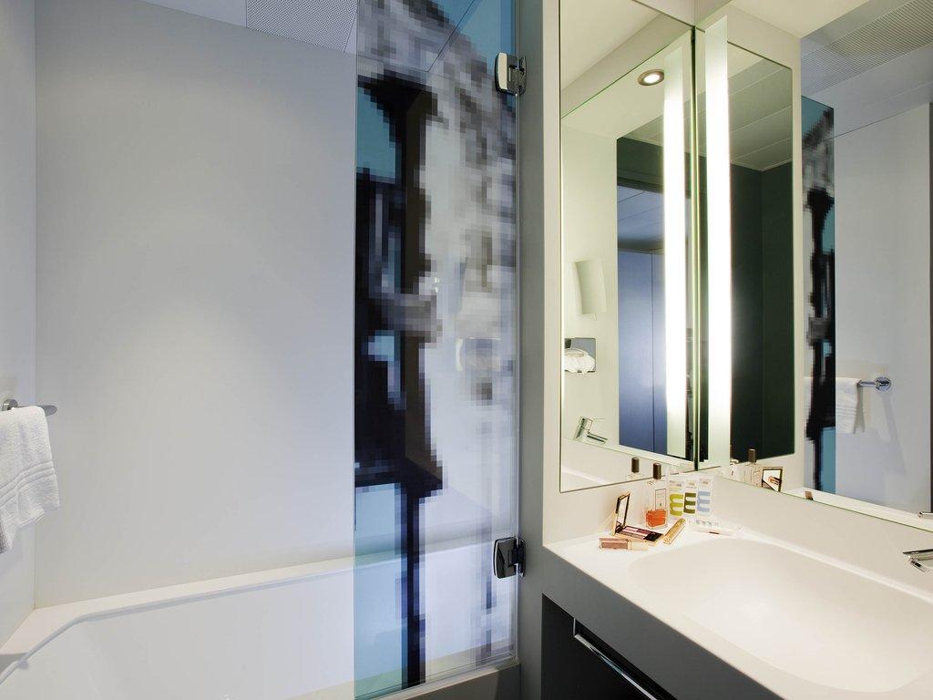 Mercure Pont d'Avignon Centre-Guest Room<br/>Image from Leonardo