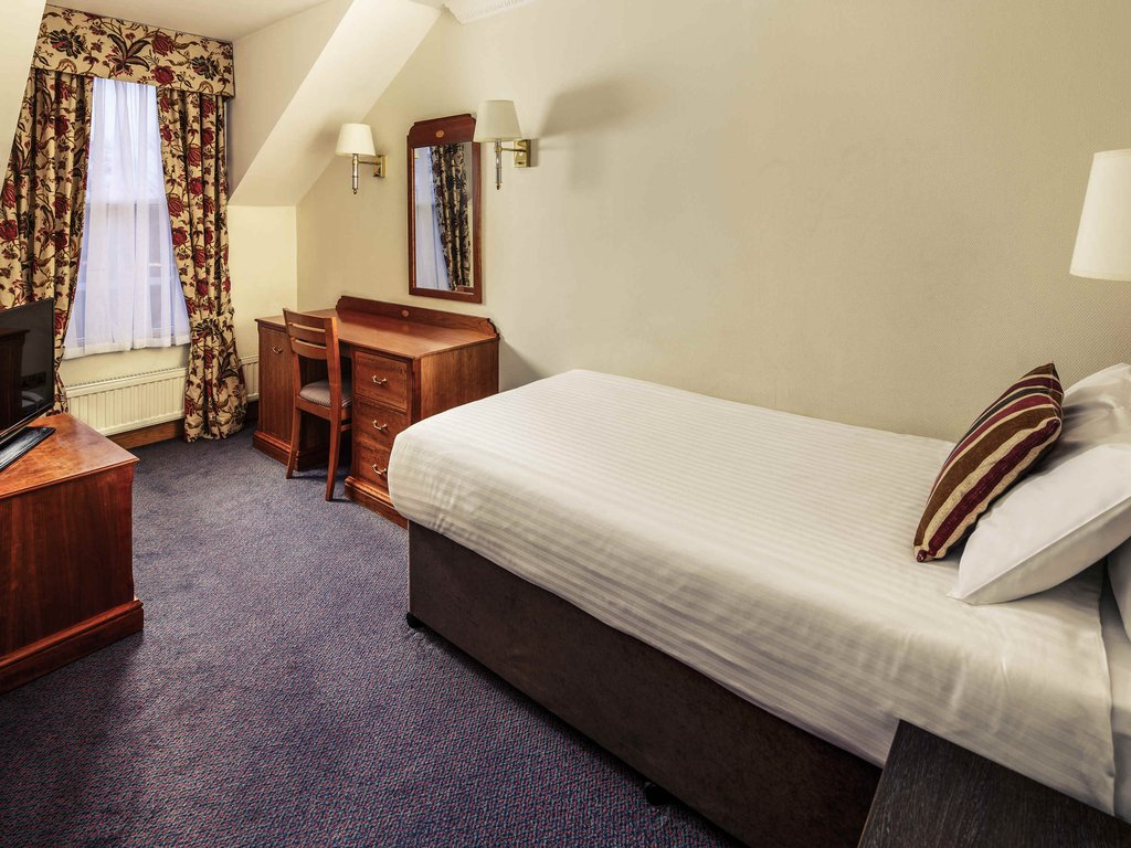 Mercure York Fairfield Manor-Guest Room<br/>Image from Leonardo
