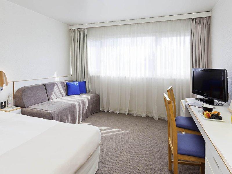 Novotel Macon Nord-Guest Room<br/>Image from Leonardo