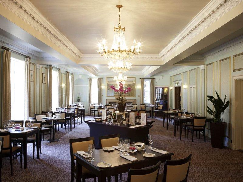 Mercure Farnham Bush-Restaurant<br/>Image from Leonardo