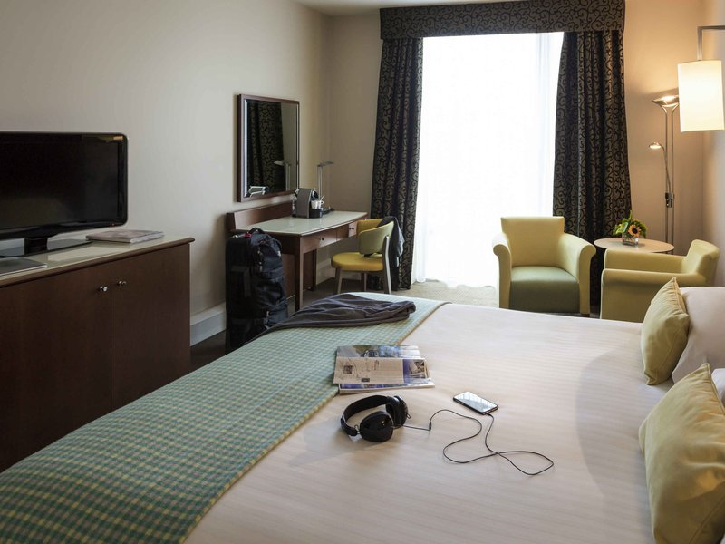 Mercure Sheffield Parkway Hotel-Guest Room<br/>Image from Leonardo
