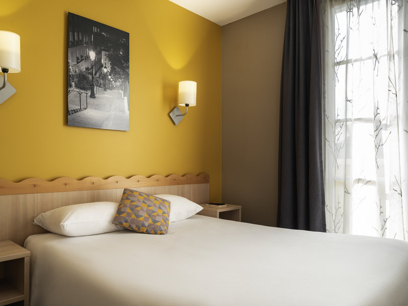 Newport Bay Club-Guest Room<br/>Image from Leonardo