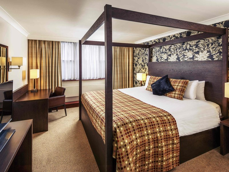 Mercure Maidstone Great Danes Hotel-Guest Room<br/>Image from Leonardo