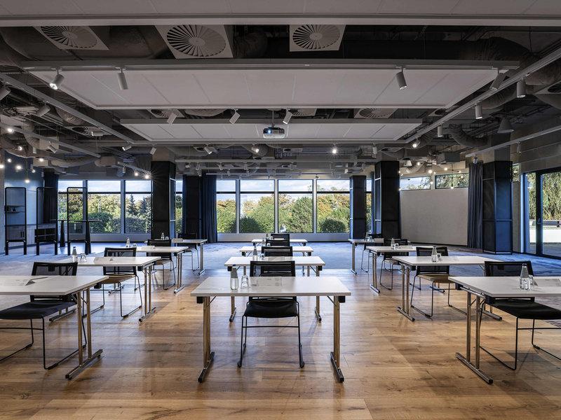 Novotel Gdansk Marina-Meeting Room<br/>Image from Leonardo