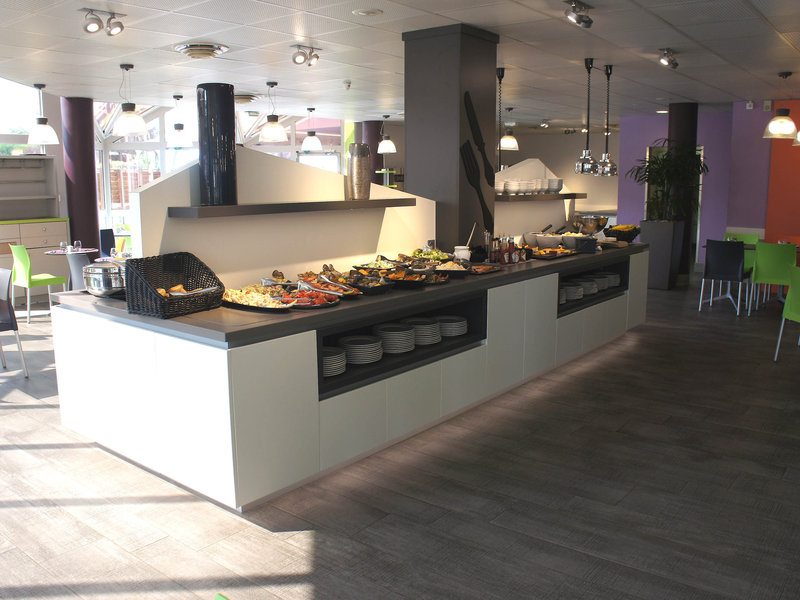 Ibis Styles Paris Roissy CDG-Restaurant<br/>Image from Leonardo