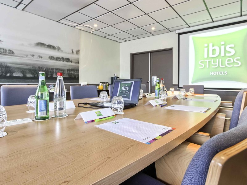 Hotel Ibis Styles Paris Roissy Cdg-Meeting Room<br/>Image from Leonardo