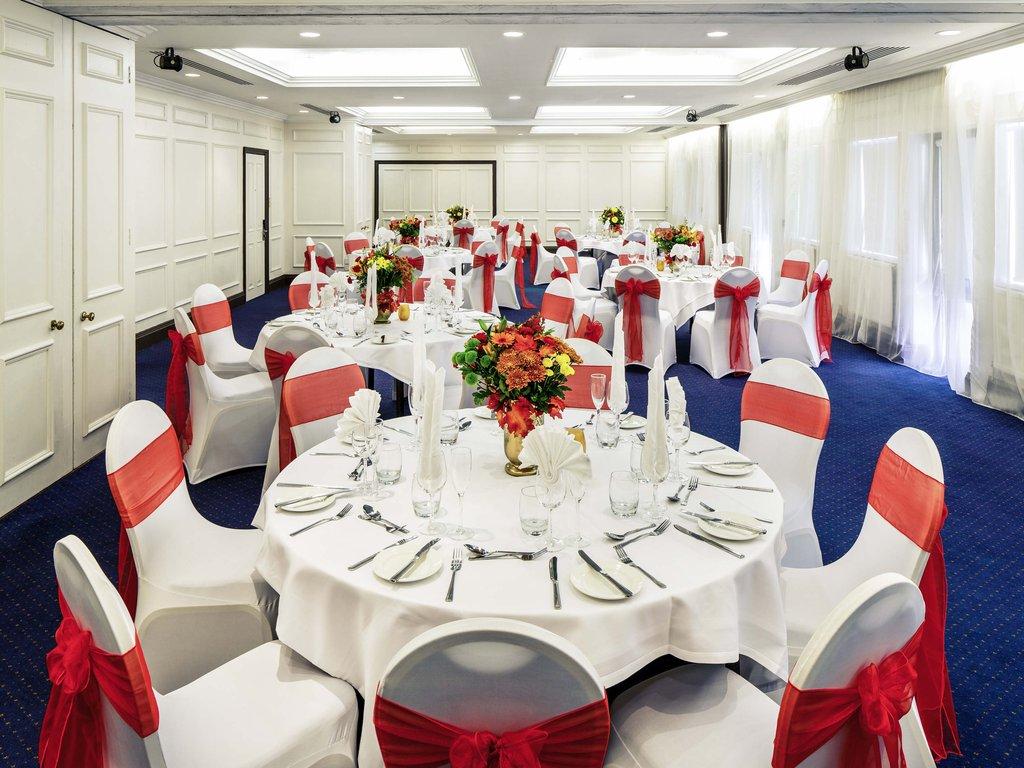 Mercure Swansea Hotel-Wedding<br/>Image from Leonardo
