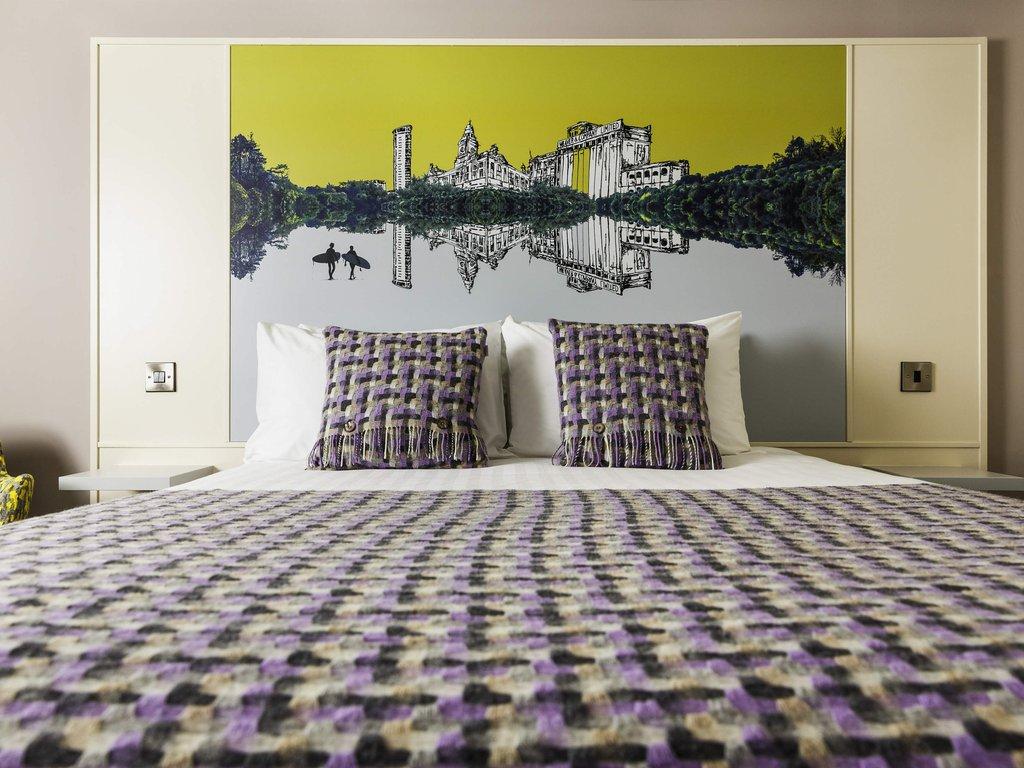 Mercure Swansea Hotel-Guest Room<br/>Image from Leonardo