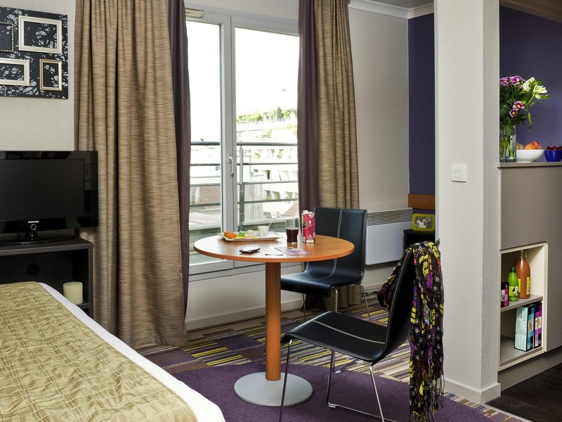 Adagio Buttes Chaumont-Guest Room<br/>Image from Leonardo