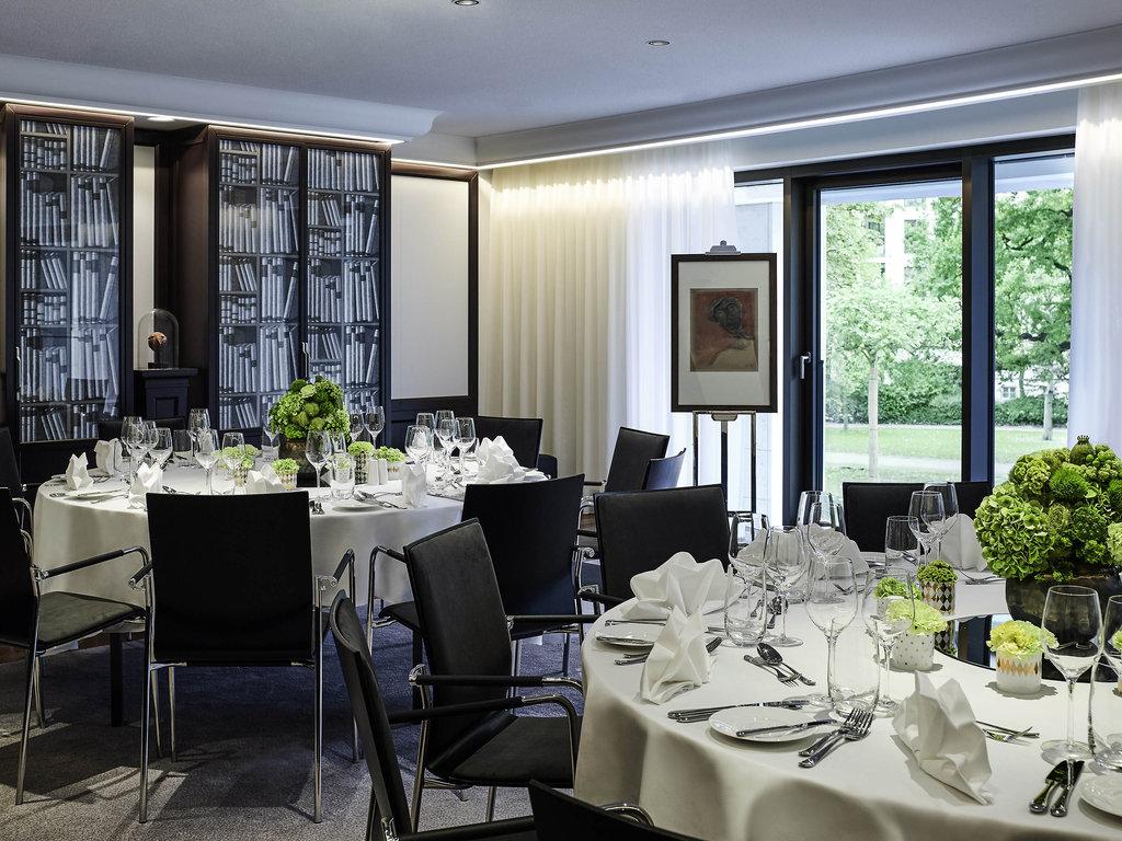 Sofitel Frankfurt Opera-Meeting Room<br/>Image from Leonardo
