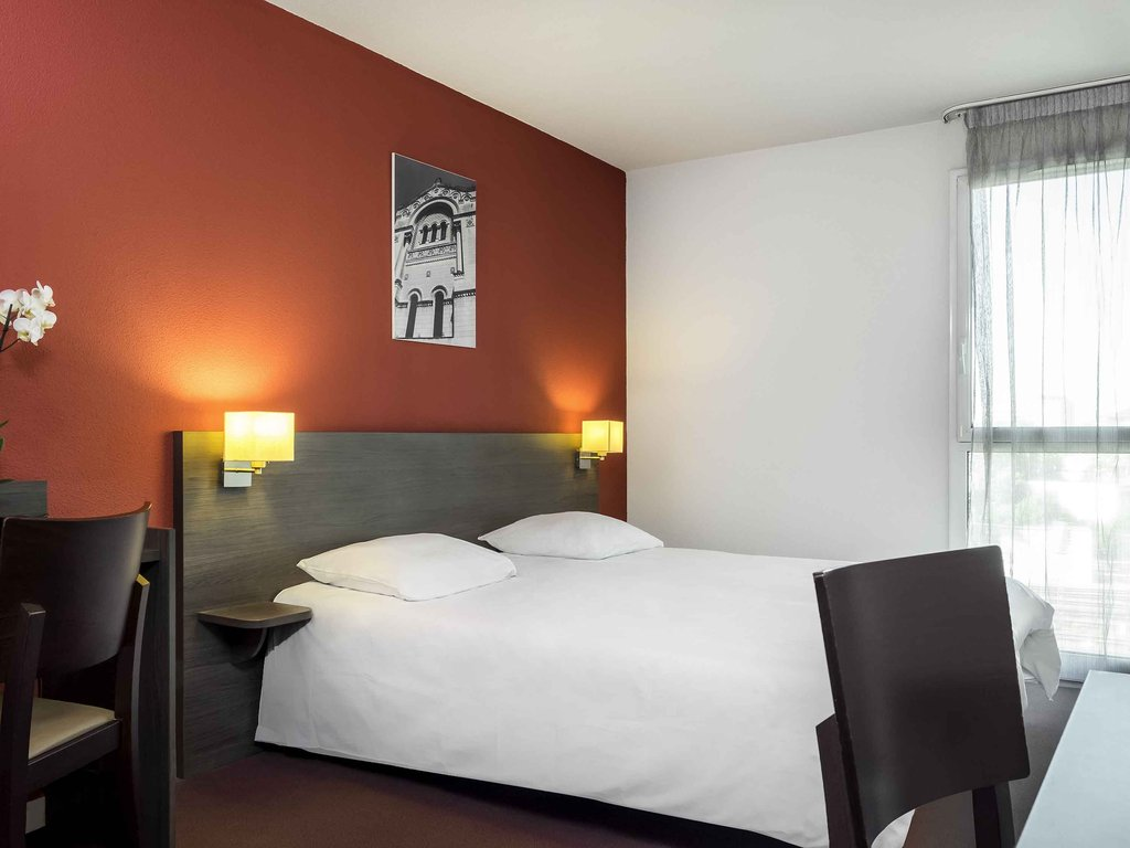 Adagio Access Tours-Guest Room<br/>Image from Leonardo