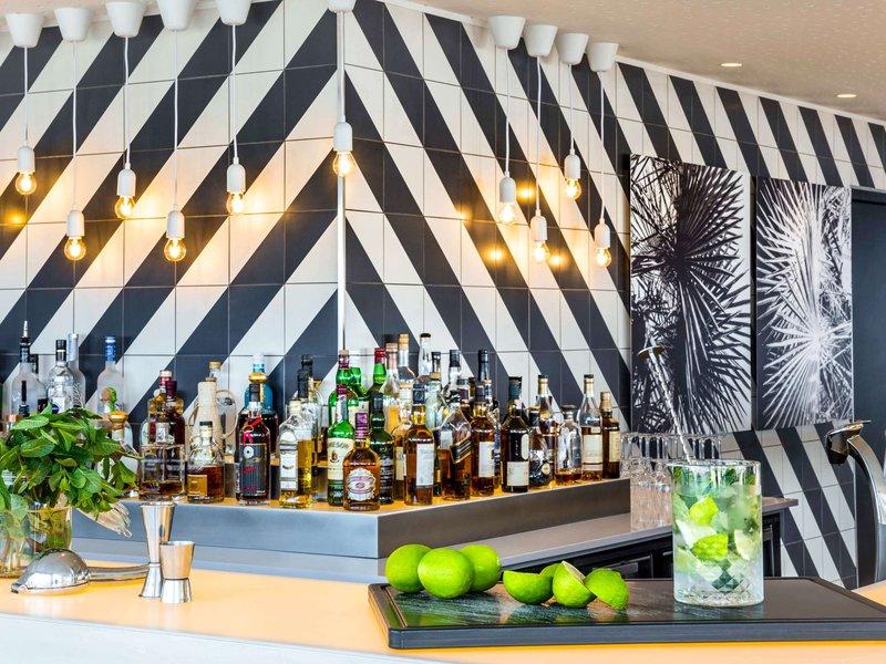 Sofitel Golfe Ajaccio Thalassa-Bar/Lounge<br/>Image from Leonardo