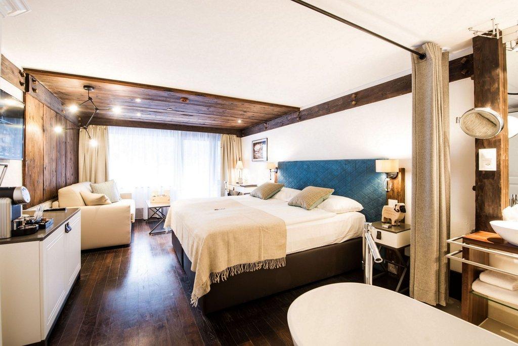 Alpenhof-Alpine Chic Room<br/>Image from Leonardo