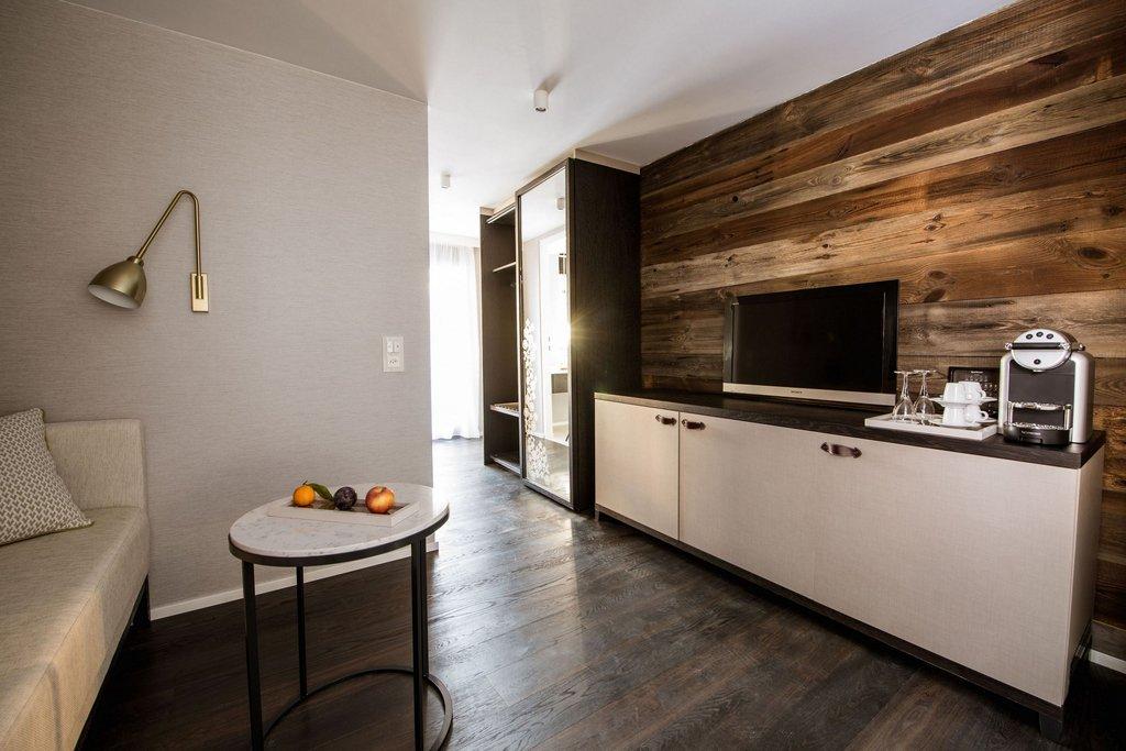 Alpenhof-Design Superior Room<br/>Image from Leonardo