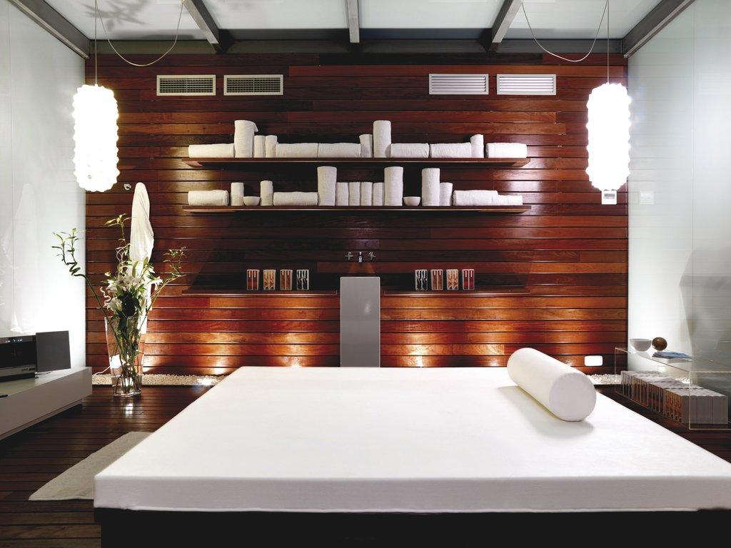 Hospes Palau De La Mar - Spa Massage Room <br/>Image from Leonardo