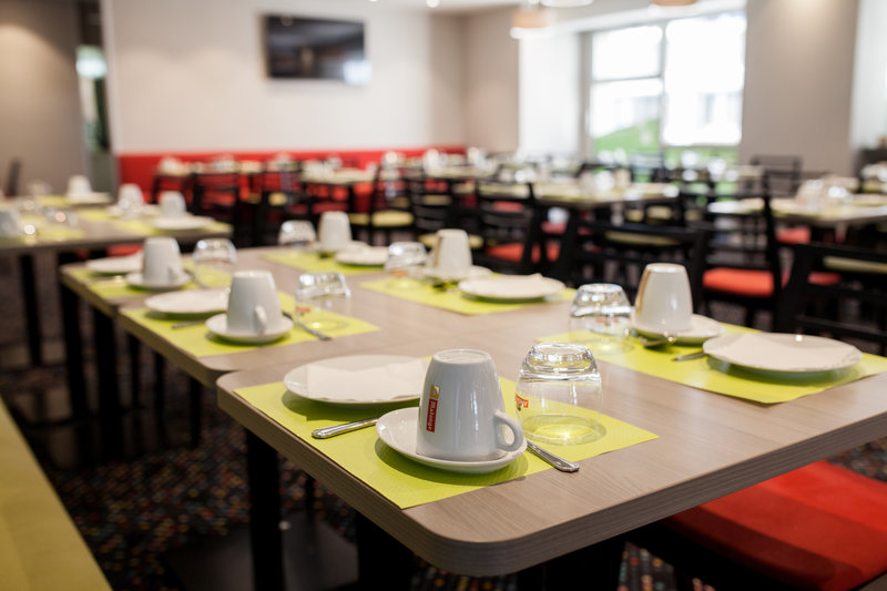 Holiday Inn Express Amiens-Breakfast Area<br/>Image from Leonardo