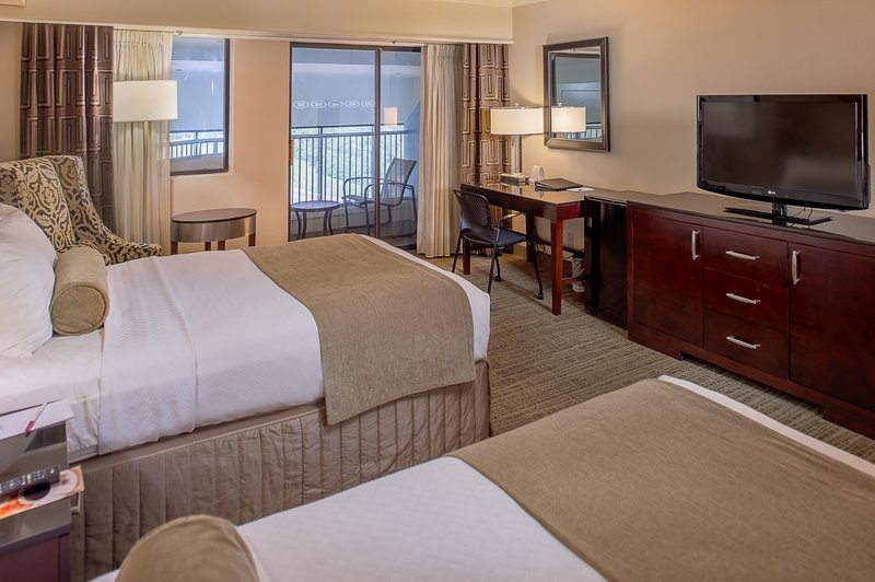 Crowne Plaza St. Louis Airport-Guest Room<br/>Image from Leonardo