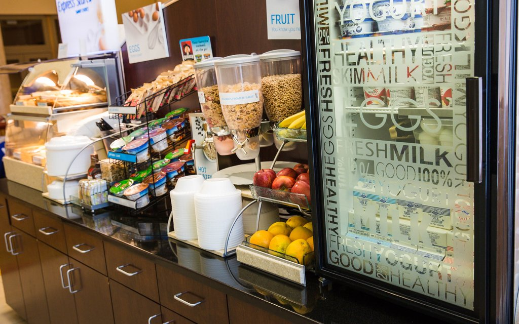 Holiday Inn Express Baltimore-Downtown-Healthy options to start of your day!<br/>Image from Leonardo