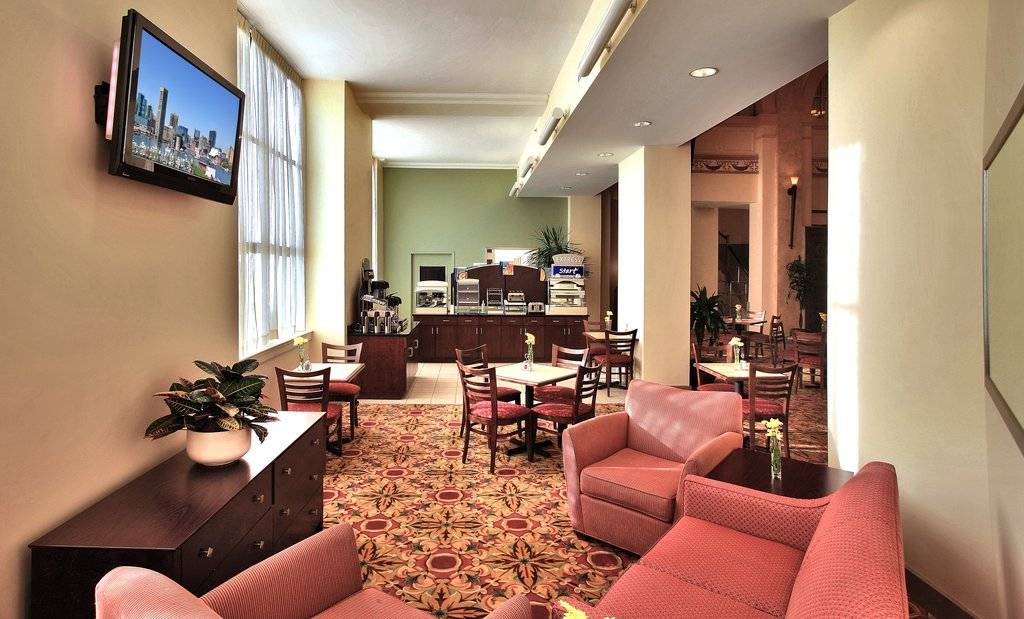 Holiday Inn Express Baltimore-Downtown-Lobby Lounge<br/>Image from Leonardo