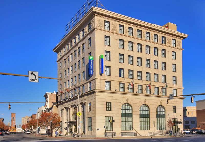 Holiday Inn Express Baltimore-Downtown-Prior bank building from the early 1920's converted to hotel<br/>Image from Leonardo