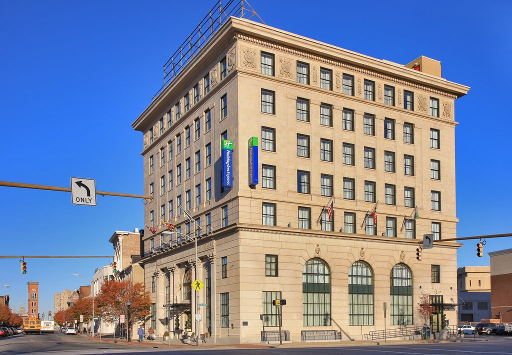 Holiday Inn Express Baltimore-Downtown-Prior bank building from the early 1920&#039;s converted to hotel<br/>Image from Leonardo