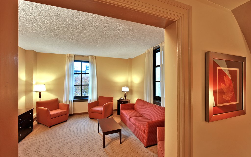 Holiday Inn Express Baltimore-Downtown-Junior Suite<br/>Image from Leonardo