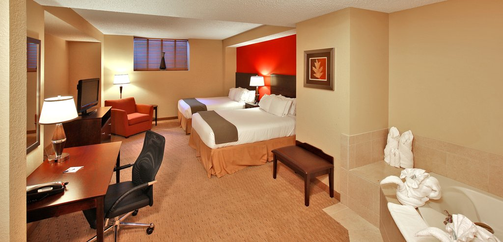 Holiday Inn Express Baltimore-Downtown-Spacious Jacuzzi Suite, feature a luxurious Double Queen bed<br/>Image from Leonardo