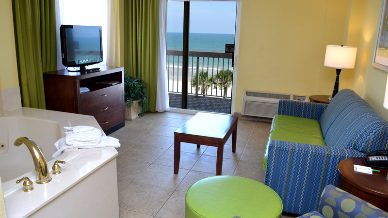 Holiday Inn Daytona Beach On The Ocean-Jacuzzi Suite<br/>Image from Leonardo
