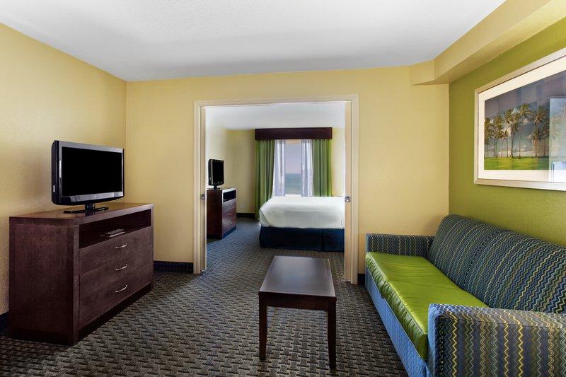 Holiday Inn Daytona Beach On The Ocean-1 King Bed Oceanview No Balcony<br/>Image from Leonardo