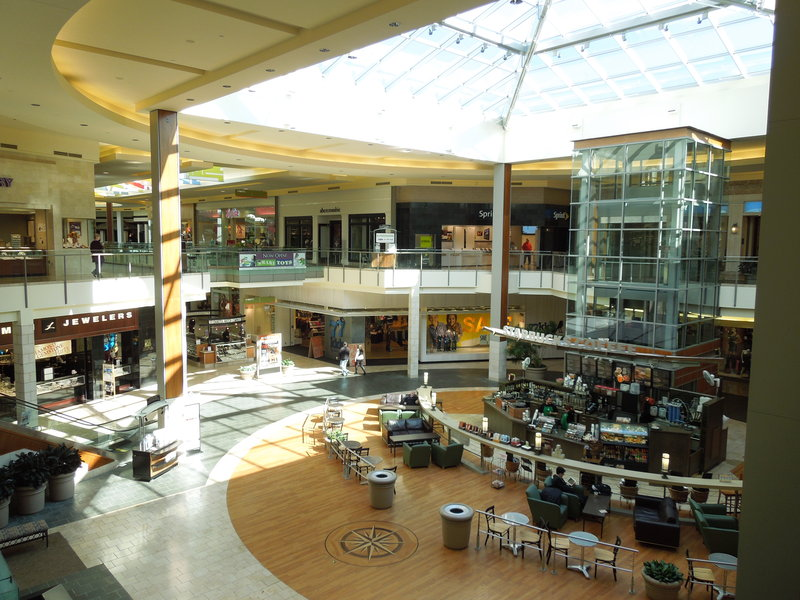 Candlewood Suites Pittsburgh-Airport-The Mall At Robinson.  150 Stores 3 Miles From Hotel<br/>Image from Leonardo