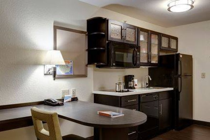 Candlewood Suites Pittsburgh-Airport-Studio Suite Kitchen and Dining/Work space<br/>Image from Leonardo