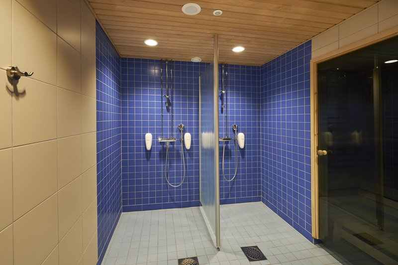 Holiday Inn Tampere - Central Station-Invigorating showers will cool you after Sauna<br/>Image from Leonardo